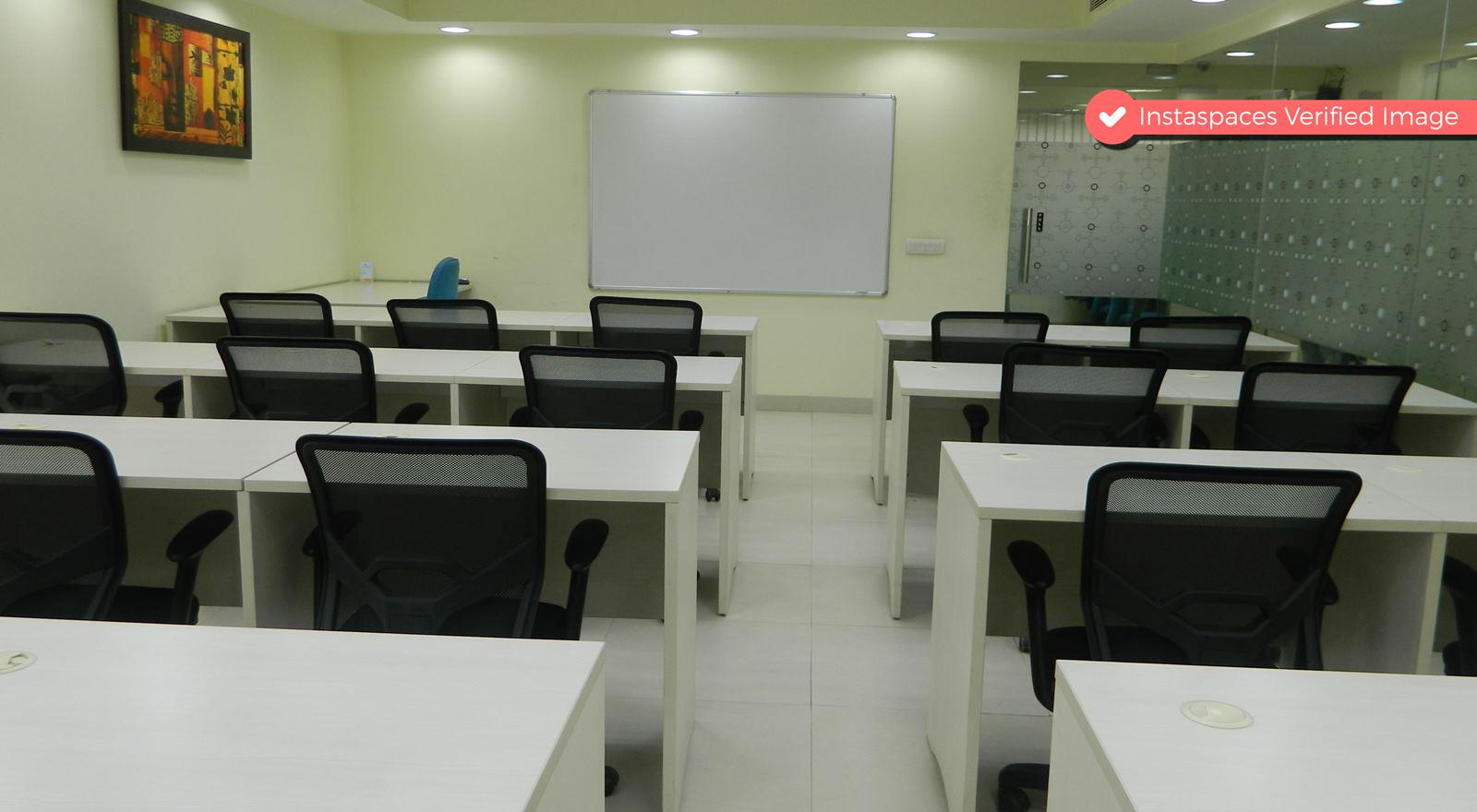 20 Seater Elegant Training Space in Noida