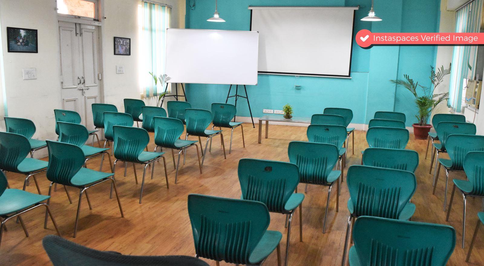 Pleasant Training Room in Central Delhi